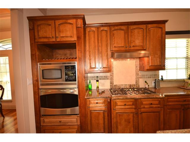 Kitchen nb designs home staging professional home stagers for Professional home kitchen ideas
